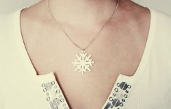 25 Super Pretty Christmas Jewelry Crafts