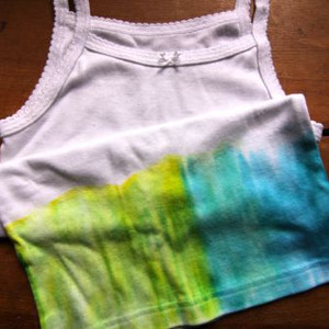 The Easiest Way to Tie-Dye Ever