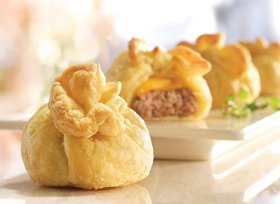 Mini Cheeseburger Pastry Bundles
