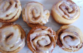 Muffin Tin Cinnamon Rolls
