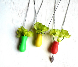 5-Minute Vase Necklace