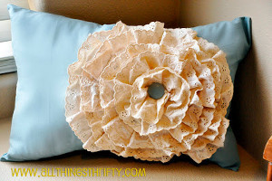 Tea-Dyed Flower Lace Pillow