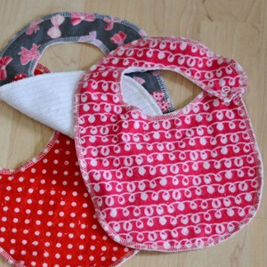 Simple Patterned Bibs