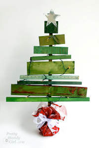 Wood Planks Christmas Tree