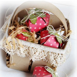 Chocolate Covered Strawberries Paper Centerpiece
