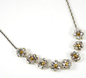 Glam Daisy Chain Necklace