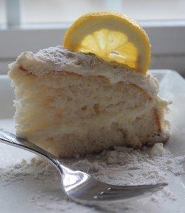 Copycat olive garden lemon cream cake - Olive garden lemon cream cake recipe ...
