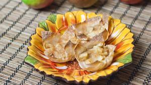 Bite-Sized Wonton Apple Pies