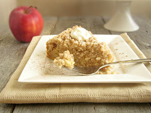 Warm Cinnamon Apple Crumb Cake