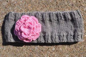 Simple Flower Headband | AllFreeKnitting.com