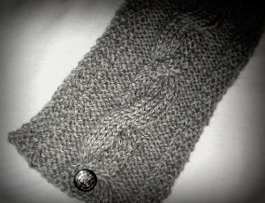 Cable Knit Buttoned Neck Warmer | AllFreeKnitting.com