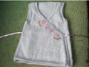 Knitting Patterns For Baby Fancy Dress : Little Blossom Sun Dress AllFreeKnitting.com