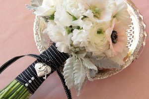 Exquisite Locket Bouquet Charm