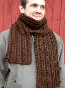 Mens Knit Scarf Pattern Easy : Beginners Bulky Scarf AllFreeKnitting.com