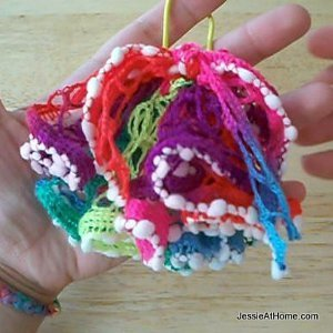 Leftover Yarn Scrunchie