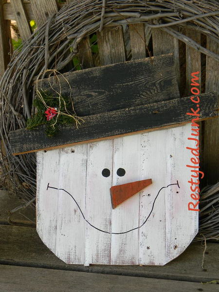 Rustic Wood Snowman Head