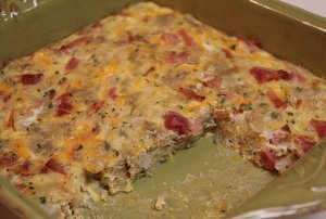 Cheesy Ham and Egg Casserole
