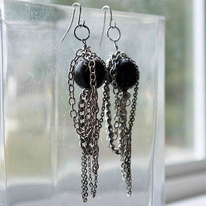 Chain Cage Pearl Earrings
