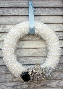 Pearly White DIY Wreath