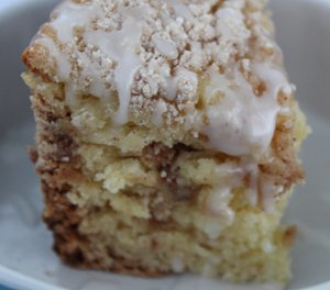 Two-Hour Slow Cooker Cinnamon Coffee Cake