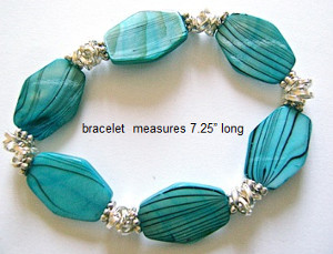 Tahiti Waters Shell Bead Bracelet