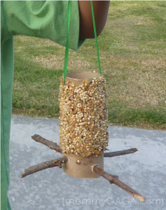 50 toilet paper roll crafts for Toilet paper tube bird feeder