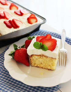 strawberry tres leches cake tres leches cake with strawberries favesouthernrecipes 7777