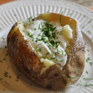 3-Ingredient Outback Steakhouse Baked Potato Copycat
