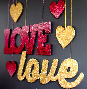 Love that Glitters is Gold Banner