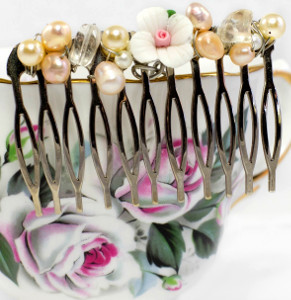Dainty and Detailed Hair Comb