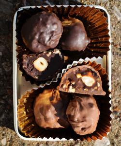 3-Ingredient Copycat Ferrero Rocher Truffles