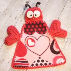 Cozy Love Bug Lovey Blanket