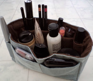Handy Dandy DIY Makeup Organizer