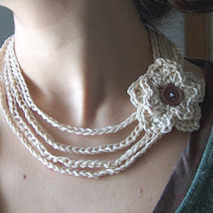 White Crochet Flower Necklace