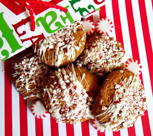 Gingerbread Oreo Cookies | RecipeLion.com