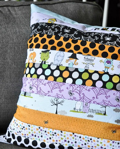 Diy Quilted Throw Pillow : Too Cute to Spook Halloween Pillow FaveQuilts.com