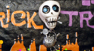 Short and Sweet Skull Bead