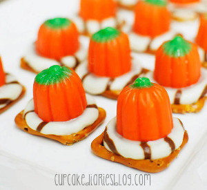 Pumpkin Pretzel Treats