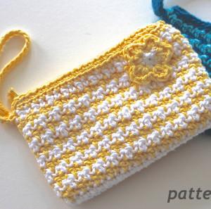 Free Knitting Pattern Clutch Bag : Gotta Go Crochet Clutch AllFreeCrochet.com