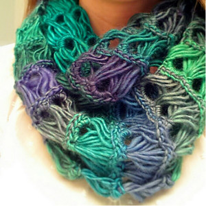 Forever Young Infinity Scarf AllFreeCrochet.com