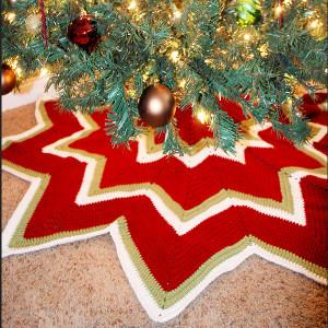 Christmas Tree Skirt Patterns Free.Twelve Pointed Star Christmas Tree Skirt Allfreecrochet Com