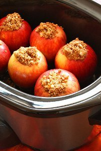 Slow Cooker Sweet Stuffed Apples