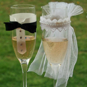 Bride and Groom Decorative Wedding Glasses
