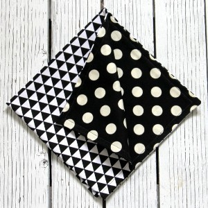 Reversible Black and White Napkins