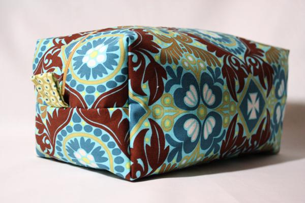 Boxy Diy Cosmetic Bag Allfreesewing Com