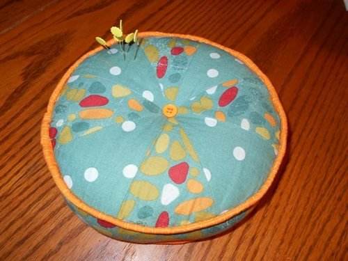 pretty pie diy pincushion ir