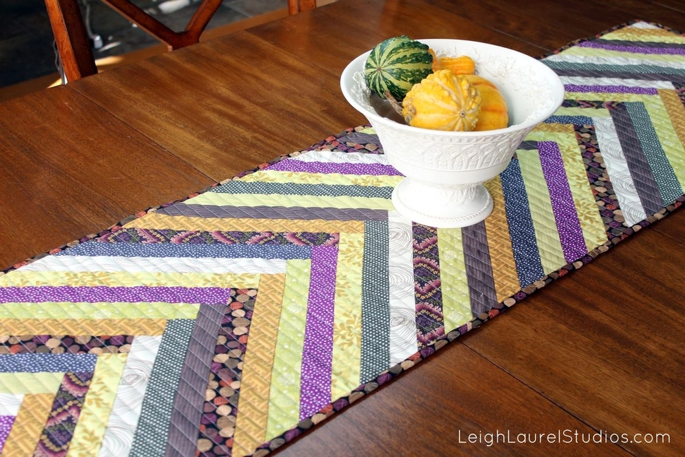 Gorgeous Table Runner Patterns 17 Diy Table Runner