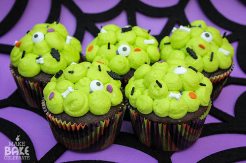 Frightfully Delightful Slime Filled Cupcakes