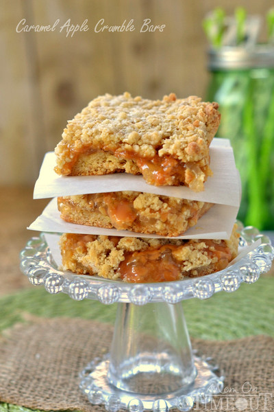 Shortcut Caramel Apple Crumble Bars