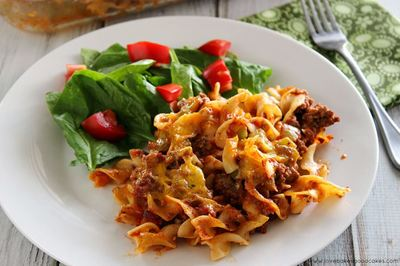 Amish Beefy Sour Cream Noodle Bake